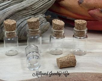 Glass Vial Bottle Pendant, Wish Pendant, Miniature Bottles, Apothecary Bottle, Vial Pendant, 10 Pieces, P2001