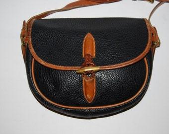 Vintage DOONEY & BOURKE Black All Weather Leather Cross body Saddle Bag Style Purse