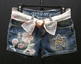 "Upcycled Denim Shorts, OOAK Upcycled Flirty Shorts, Refashioned Redesigned Applique Patch Embellished Denim Jean Shorts W/Belt, Size 5, W29"""