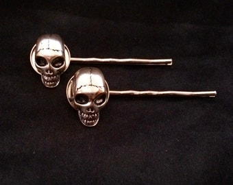 Silver Metal Pirate Skull Bobby Pins, Set of 2