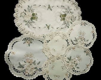 Vintage embroidered polyester Christmas placemats set of six