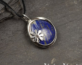 Lapis Lazuli pendant,Ooak Pendant,Lapis pendant,Boho style,natural stone,metalwork jewelry,Women necklace, handmade flower Pendant