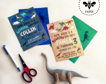 Dinosaur Printed Birthday Invitations with Coordinating Envelopes / Fun Jurassic World Inspired Party Invites with Matching Envelopes