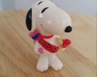 Snoopy, vintage snoopy, snoopy collectables, snoopy figurine