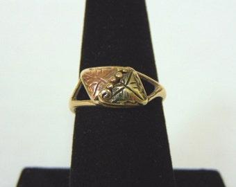 Womens Vintage Estate 10K Gold w/ Rose Gold Grape Leaf Ring 2.6g #E2881