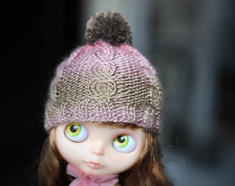 knitted Hat for Blythe with pompon by BlablaBlythe