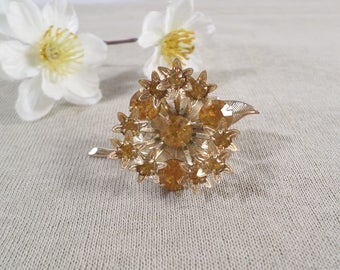Beautiful Vintage Gold Tone Prong Set Crystal Amber Rhinestone Flower Brooch  DL#2135