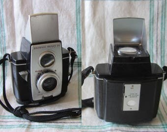 Vintage 1950s Kodak Brownie 20 Reflex Camera TTV Thru The Viewfinder