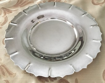 "Silverplate Tray International Silver Company Early American Pattern 4201 11"" Round"