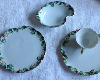 Hand Painted Vintage Lefton Holly Christmas Plates