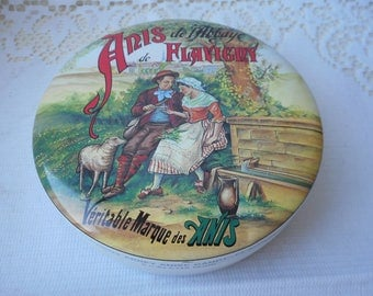 stunning vintage French small round shaped tin / storage tin / collectable tin