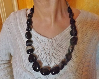 Gujarat onyx agate necklace, Nepalese tharu ethnic necklace from the 1970s