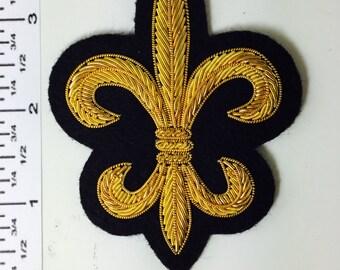 VINTAGE Golden Bullion Hand embroidered Fleur-de-lis design applique. Very Unique!