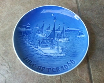 Vintage Bing and Grondahl Christmas Plate 1966 Hjem til Jul Beautiful Blue and White Tones of Color Draws One Deeper Fine Find
