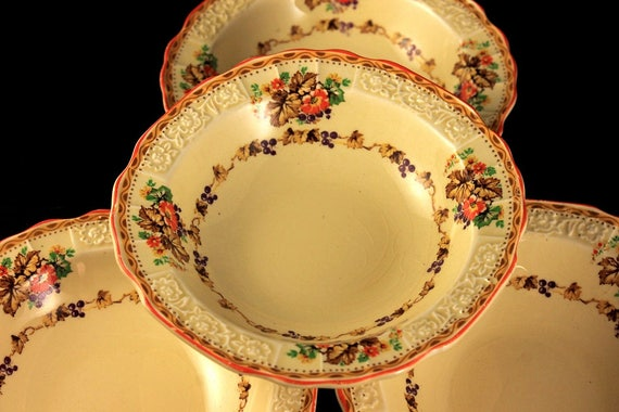 Fruit Bowls, Dessert Bowls, Myott Staffordshire, Embossed, Grapes and Leaves, Cream Colored, Hard to Find, Made In England, Set of 4