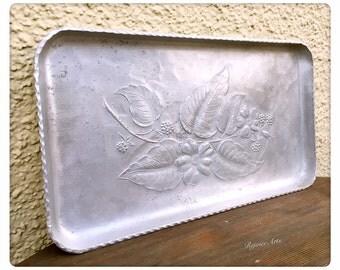 Vintage Floral Design Aluminum Tray Hand Forged Everlast Metal