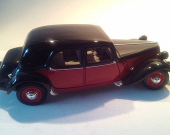 "Model car ""Citroën 15 CV 1952""."