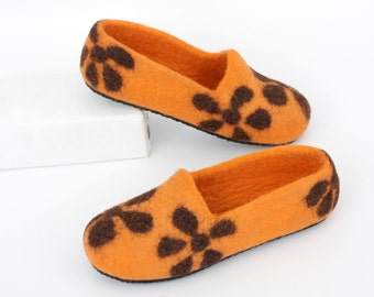 Felted Slippers, women's slippers, warm slippers, home slippers, handmade slippers