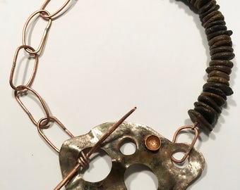 Howlite necklace silver, copper and copper.