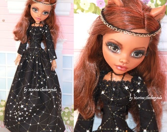 """Doll clothes for Monster High 17"""" Dolls."""