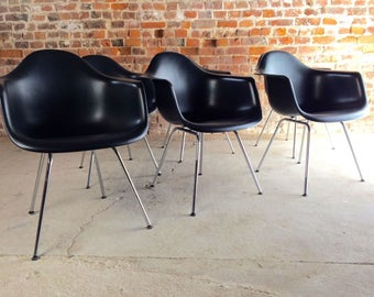 Stunning Charles & Ray Eames Chairs Vitra DAX Dining Six Shell Chairs Black