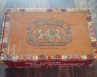 Roi Tan Cigar Box with Matchpacks