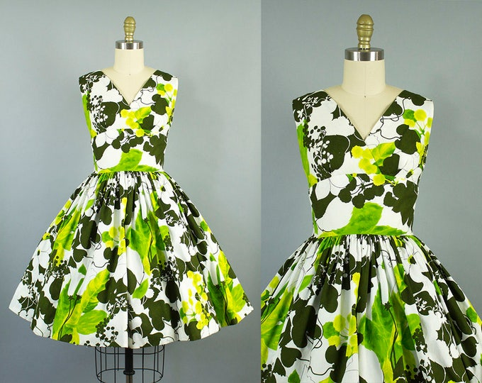 1950s green floral sundress/ 50s tropical day dress/ small