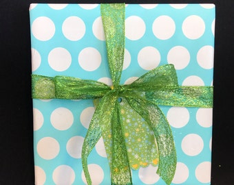 Gift wrapping with note