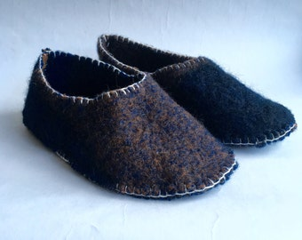 woolen slippers made of vintage blanket