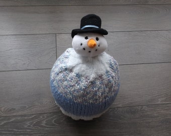 snowman hat with snow up to 2 years.