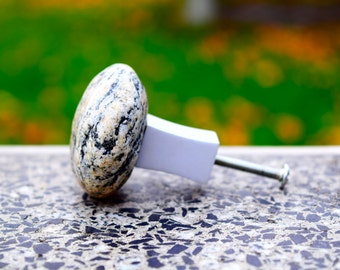 Stone knobs. Beach Stone Kitchen Cabinet pull knob. Door handle. Stone Cabinet Knobs. Furniture knobs. Drawer Pull.