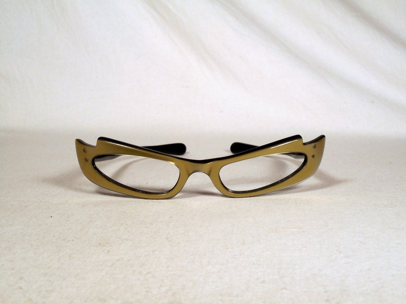 5f6ad6f0229 fabulous vintage sunglasses lunettes eyeglasses 1960 cat eye carved frame  france rare