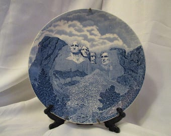 Vintage Mount Mt. Rushmore Decorative collectible plate by Johnson Bros.