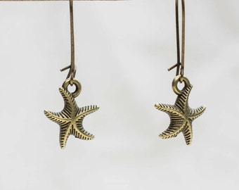 Earring with small Starfish in bronze