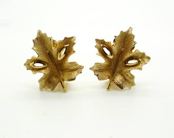 Jewelcraft Vintage Gold Brushed Gold Tone Holly Leaf Clip On Earrings