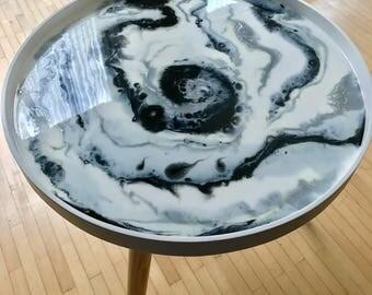 """Resin side table """" Sparkle """", 40,5 cm diameter"""