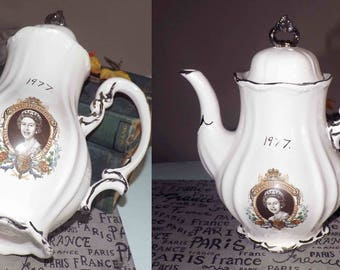 Vintage (c.1977) Commemorative handmade Coffee Pot celebrating the Silver Jubilee of Queen Elizabeth II. Platinum edge and accents.