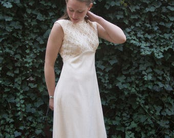 Vintage Sleeveless Cream Lace Maxi Gown