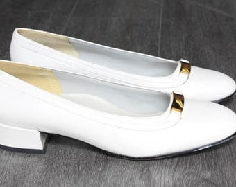 Vintage Selly Comfort Flex White Heels with Gold Decoration