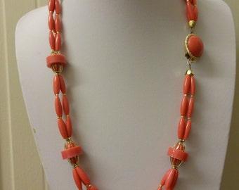 Vintage Pink Lucite Necklace, Pink Plastic Necklace, Retro Pink Necklace, Salmon Pink Necklace, 1960s Necklace, Retro Necklace