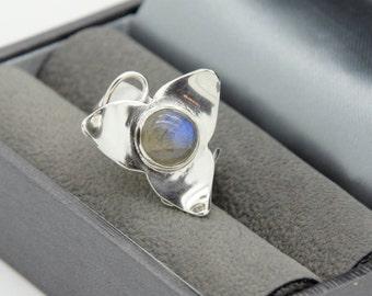 Labradorite Ring, Silver and Labradorite Ring, Statement Ring, Stone Ring, Gemstone Ring, Labradorite Rings, Flower Rings, Silver Ring