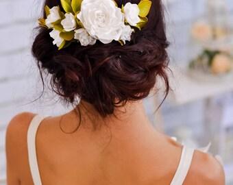 Wedding hair comb Flower hair piece Flower comb Bridal hair flower White floral comb Wedding headpiece Bridal hair comb Woodland wedding