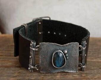 SALE 20% off !! - use the coupon code: SALE20  labradorite leather silver bracelet, rough raw silver, leather bracelet