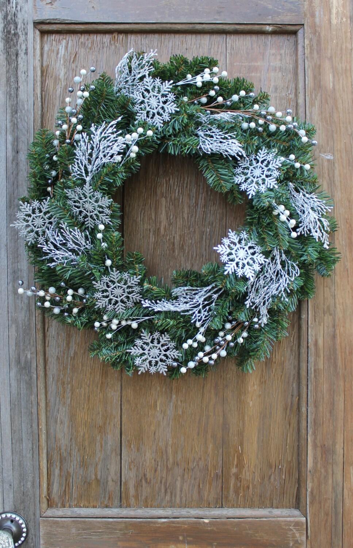 snowflake wreath winter wreath icy wreath christmas decor. Black Bedroom Furniture Sets. Home Design Ideas