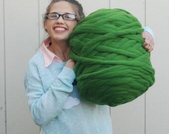 Chunky yarn. 100% organic. 21 micron. Merino Wool  (1.1 lb). Natural material. Bulky yarn. Giant knit. Hypoallergenic wool.