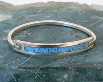 Vintage Mexico Silvertone Hinge Bracelet Crushed Turquoise Inlay Item S40