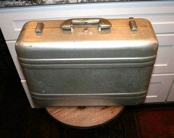 Halliburton Aluminum Suitcase//Tan Interior//Camera Case//Industrial Decor//Vintage Suitcase