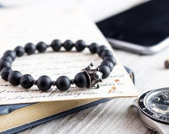 8mm - THE BLACK KING - Matte black & faceted onyx beaded stretchy bracelet with black micro pave crown, mens bracelet, mens beaded bracelet