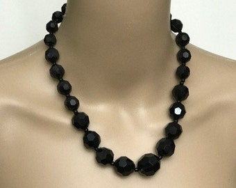 Pretty Black Vintage Necklace in Sequence Beaded Necklace
