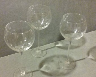 """Beautiful Set Of 3 Flawless Lenox  1960's 8 3/4"""" Long Stemmed 12 Fl Oz Wine Glasses With """"Bubble Pattern"""" Etching"""